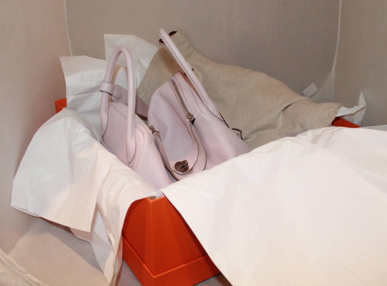 Hermes Rose Dragee 30cm Lindy Veau Swift Handbag - circa 2007 For Sale 1