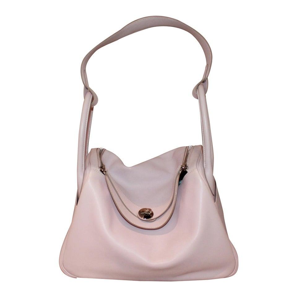 Hermes Rose Dragee 30cm Lindy Veau Swift Handbag - circa 2007 For Sale
