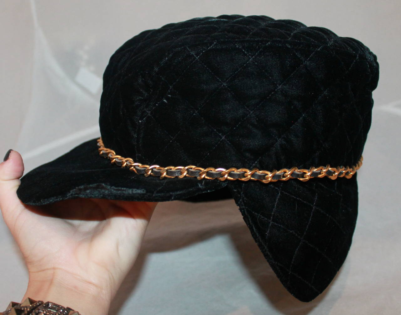 Chanel Vintage Black Velvet Quilted Hat with Gold Chain. This hat is in  excellent condition f3d8eeb8607