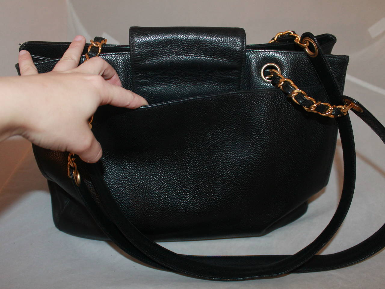 488fcc201e684f Chanel Vintage Black Caviar Tote Handbag GHW In Good Condition For Sale In  Palm Beach,