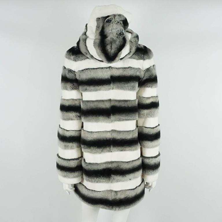 Unknown White, Gray, and Black Striped Rabbit 3/4 Coat - M In Excellent Condition For Sale In Palm Beach, FL
