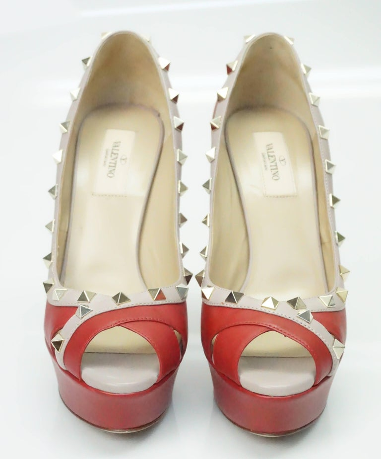2507947e13 Valentino Red and Nude Rock Stud Peeptoe Platform with Spiked Heel - GHW - 38.5  In