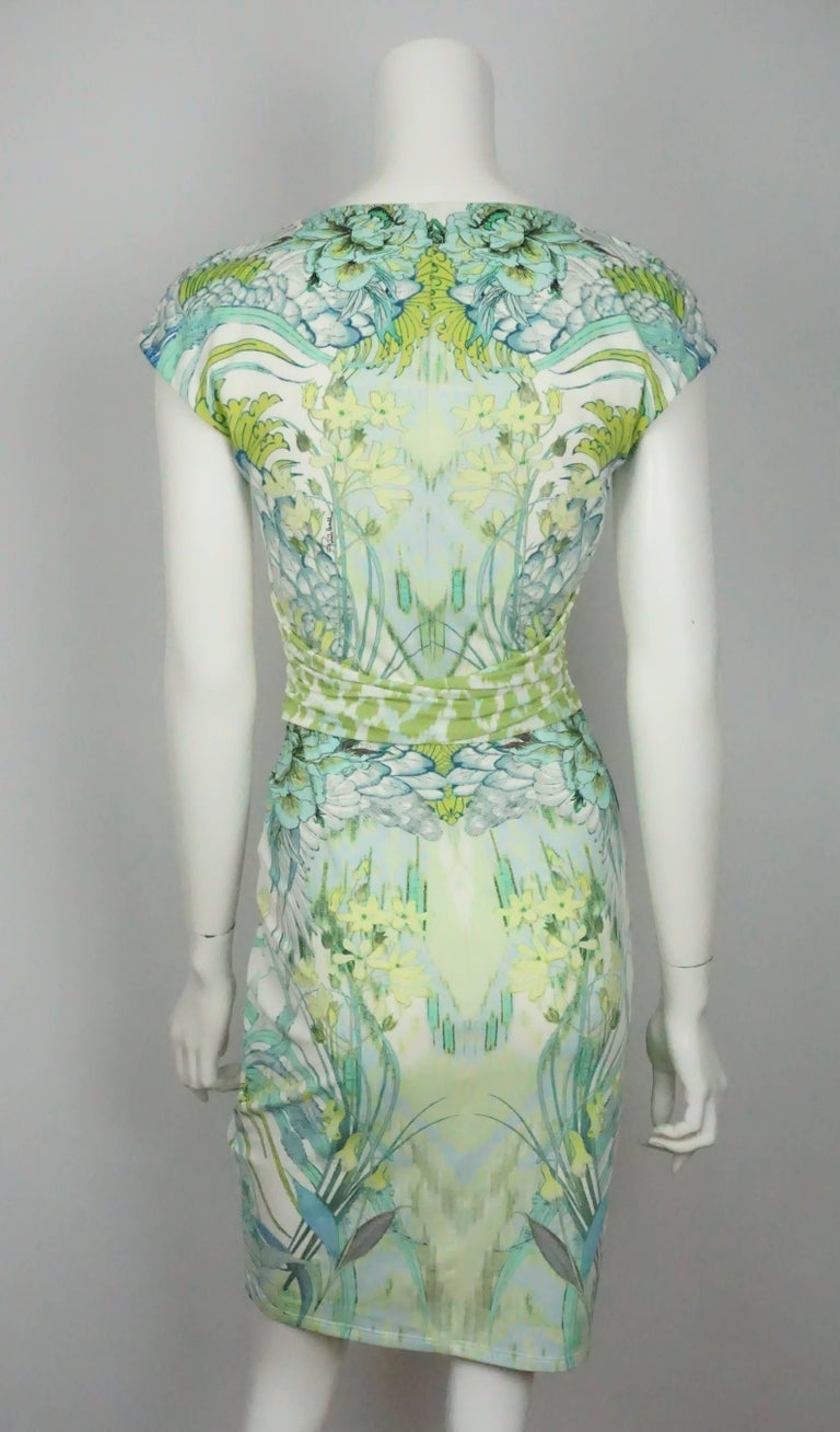 4d6853f209eab Roberto Cavalli White and Green Print Jersey Short Sleeve Dress In  Excellent Condition For Sale In