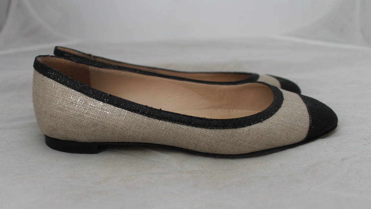 Brown Manolo Blahnik Black Sequin & Metallic Linen Ballet Flats - 36 For Sale