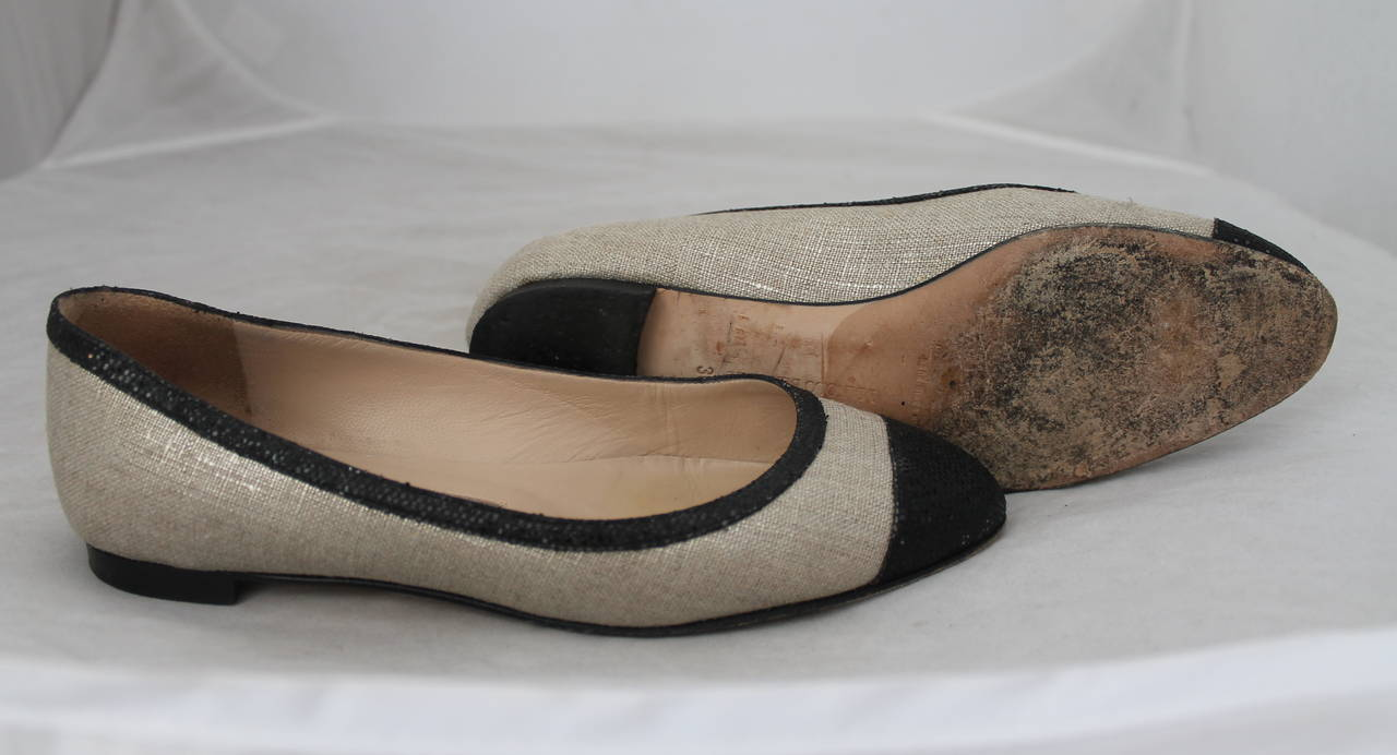 Manolo Blahnik Black Sequin & Metallic Linen Ballet Flats - 36 In Excellent Condition For Sale In Palm Beach, FL