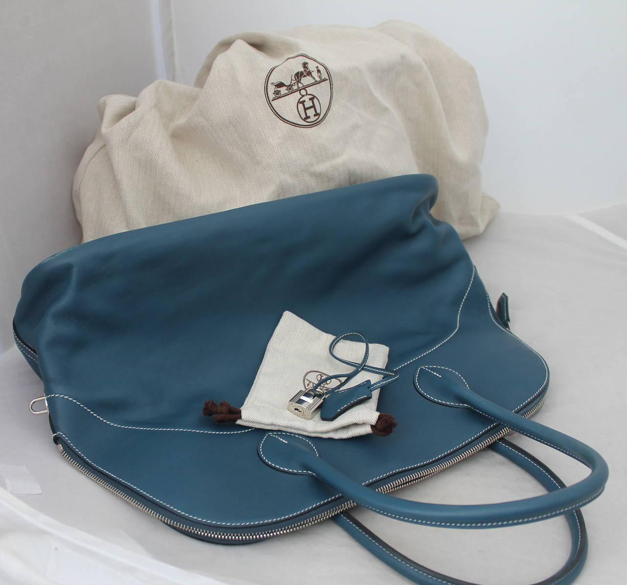 Women's Hermes Thalassa Blue 40cm Veau Swift Bolide Handbag circa 2012 For Sale