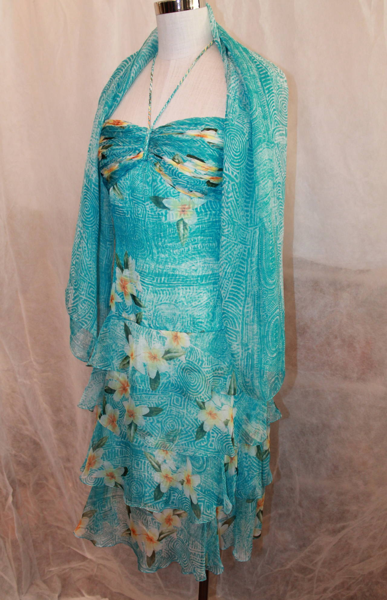 Oscar de la Renta Blue Hawaiian Print Halter Dress & Shawl - 10. This dress is in very good condition and comes with a shawl. It is a silk chiffon fabric and has ruffles on the bottom of the skirt.  Measurements: Bust- 31