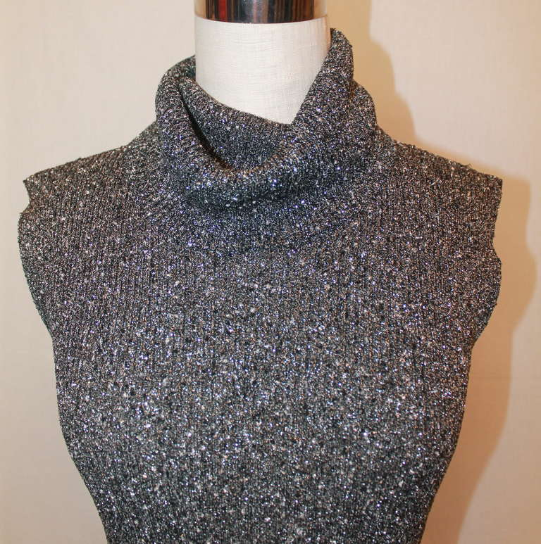 Chanel Grey Metallic Knit Sleeveless Turtleneck Top - 40 - circa 05A In Excellent Condition For Sale In Palm Beach, FL