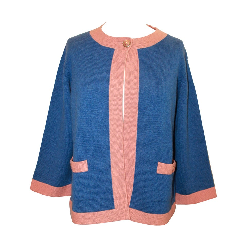 Chanel 2007 Blue & Peach Cashmere Sweater - 46 For Sale