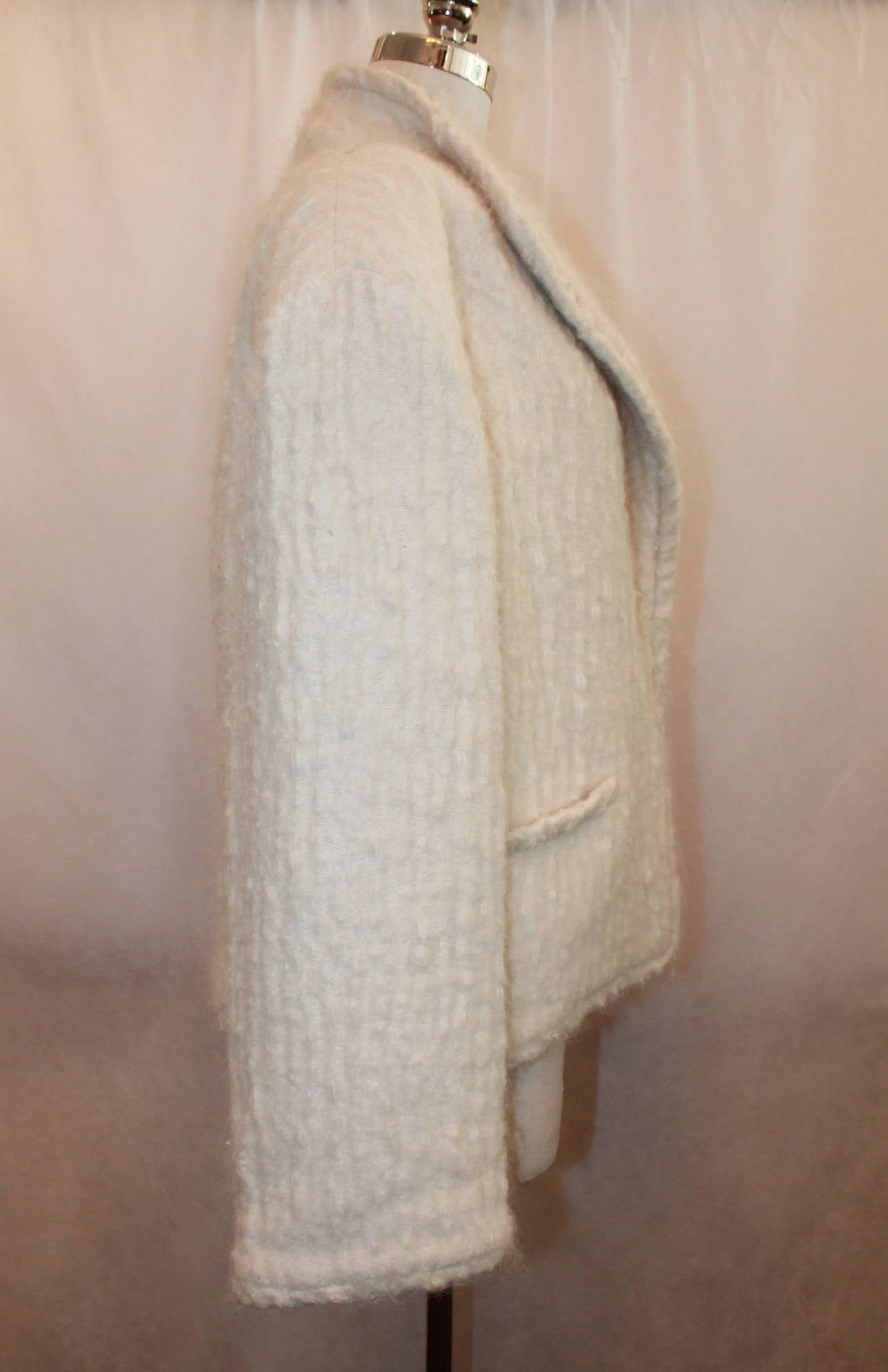 Women's Chanel 1998 Vintage Creme Mohair & Wool Blend Jacket - 38 For Sale