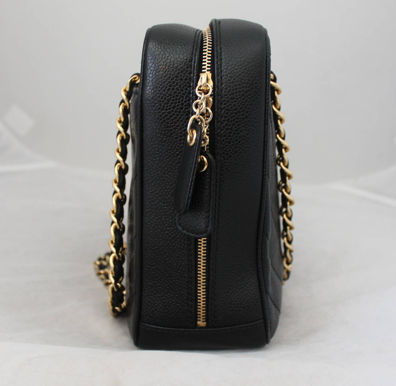 27c9a05da101b7 Chanel 2002 Black Caviar Chevron Quilted Camera Case Bag In Good Condition  For Sale In Palm