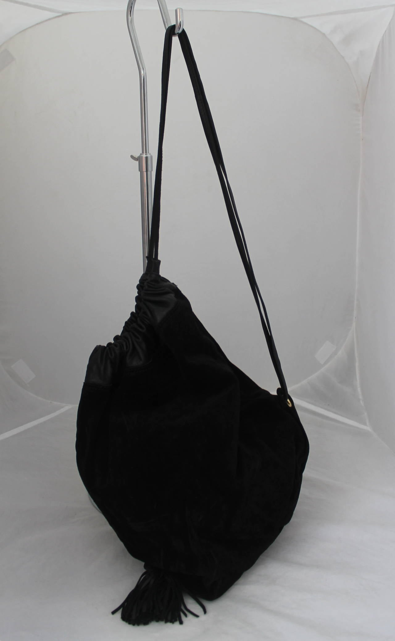 ... 1980s Bottega Veneta Black Suede and Leather Drawstring BackpackBag  with Fringe Detail and Leather size 40 ... 99e6a47436f69