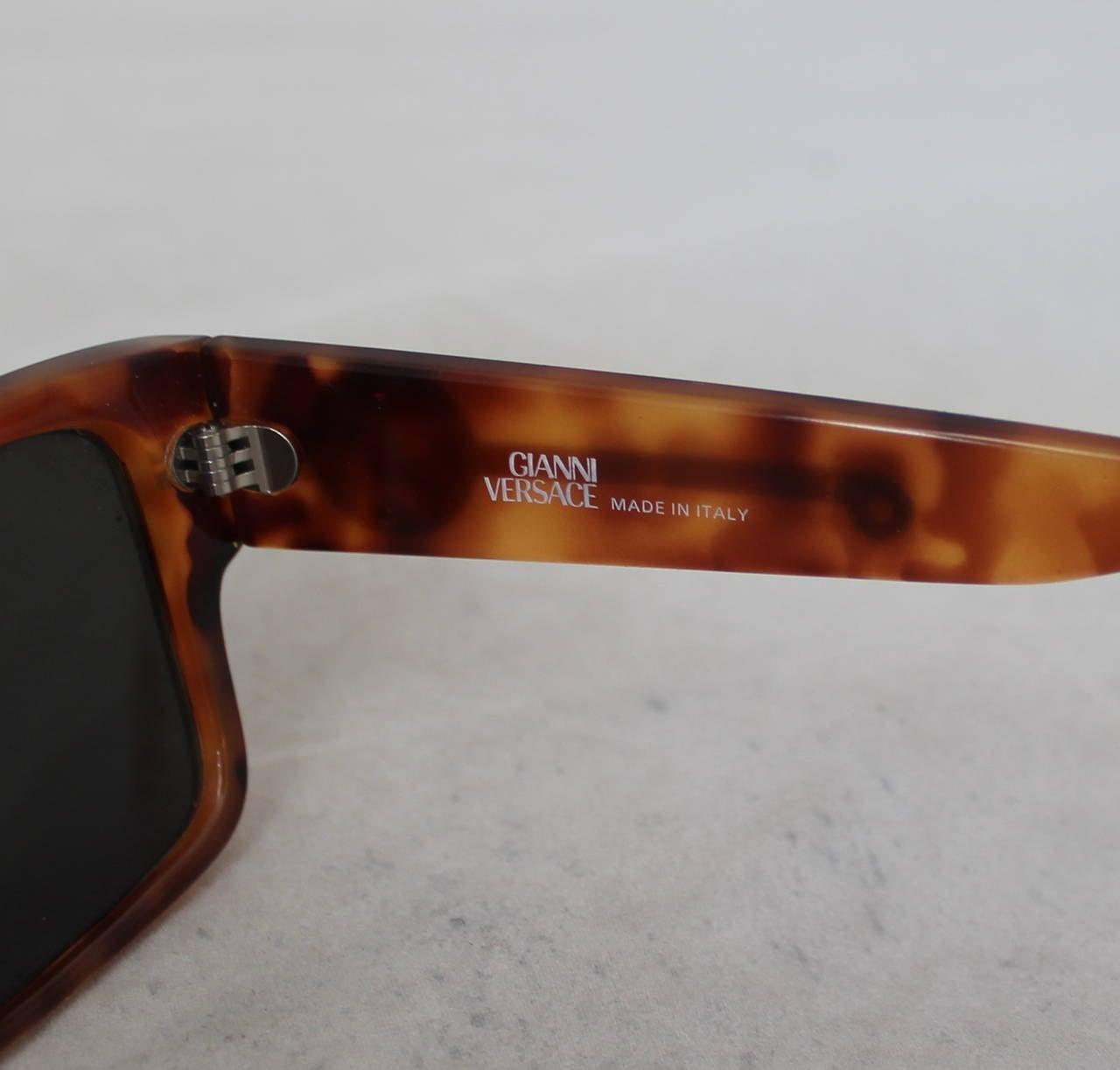 Versace 1990's Vintage Tortoise & Gold Emblem Sunglasses 4