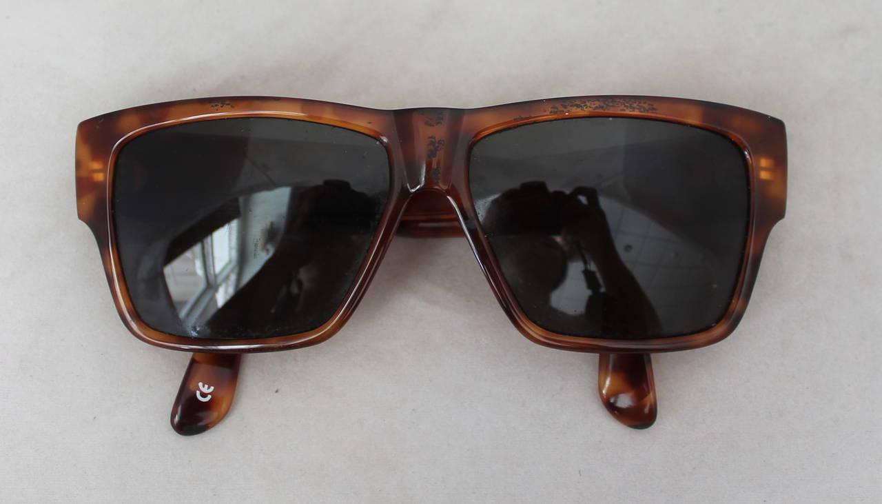 Versace 1990's Vintage Tortoise & Gold Emblem Sunglasses 6