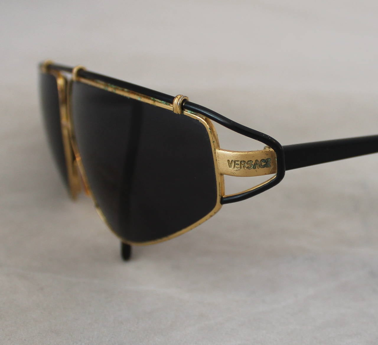 Versace 1980's Vintage Black & Gold Geometric Aviator Sunglasses 6