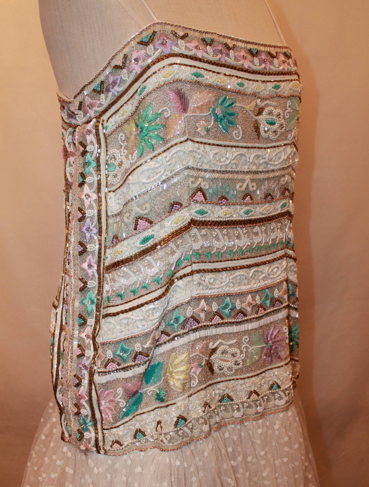 Richilene 1980's Vintage White Embroidered & Beaded Gown - 12 In Good Condition For Sale In Palm Beach, FL