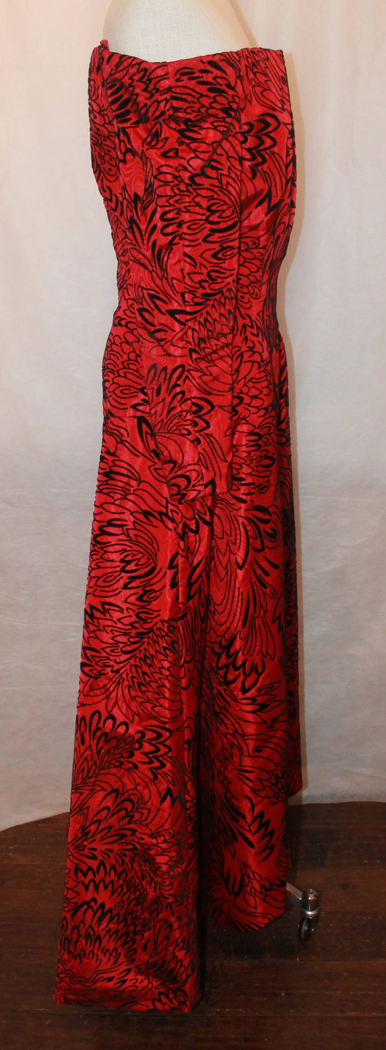 Scaasi 1990's Vintage Red & Black Long Sleeve Gown - 8 3