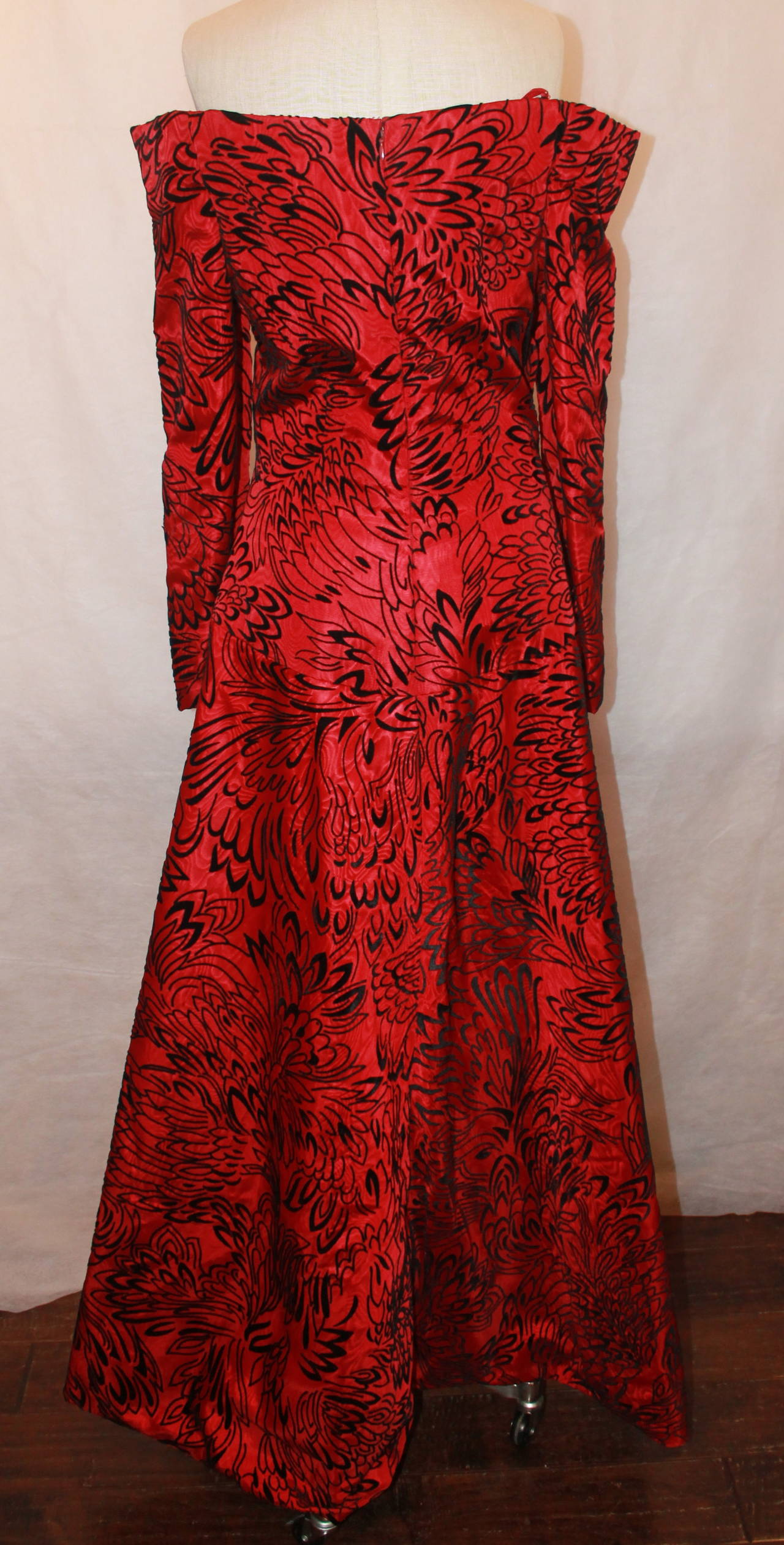 Scaasi 1990's Vintage Red & Black Long Sleeve Gown - 8 4