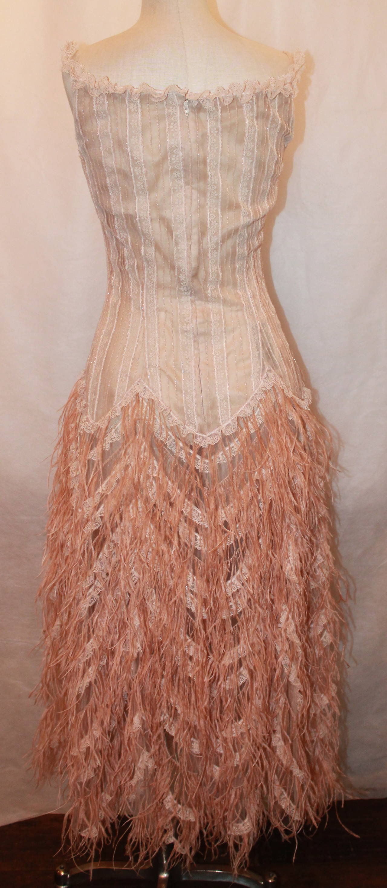 Women's Oscar de la Renta Blush Lace Beaded Gown with Ostrich Feathers & Shawl - M For Sale