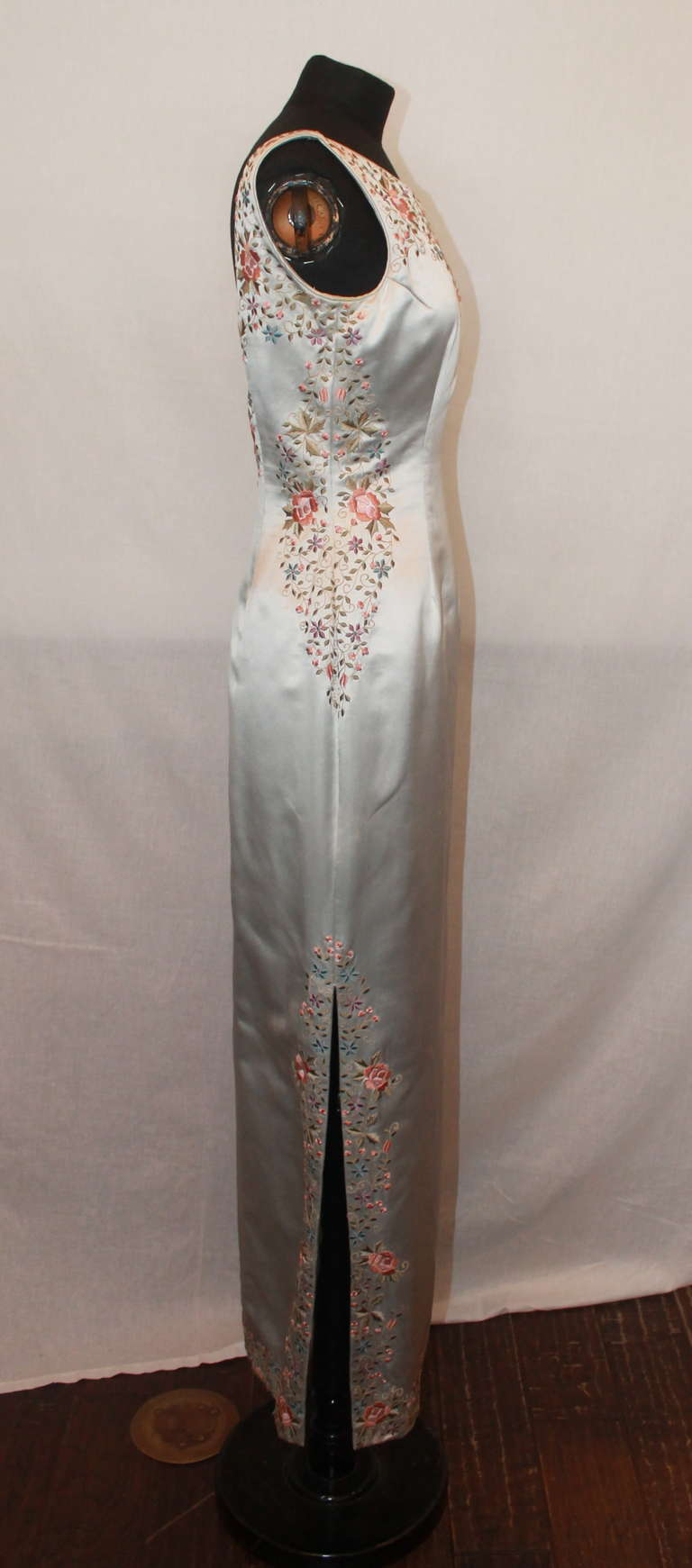 Gray Unknown Grey Silk Flower Embroidered Gown - 6 For Sale