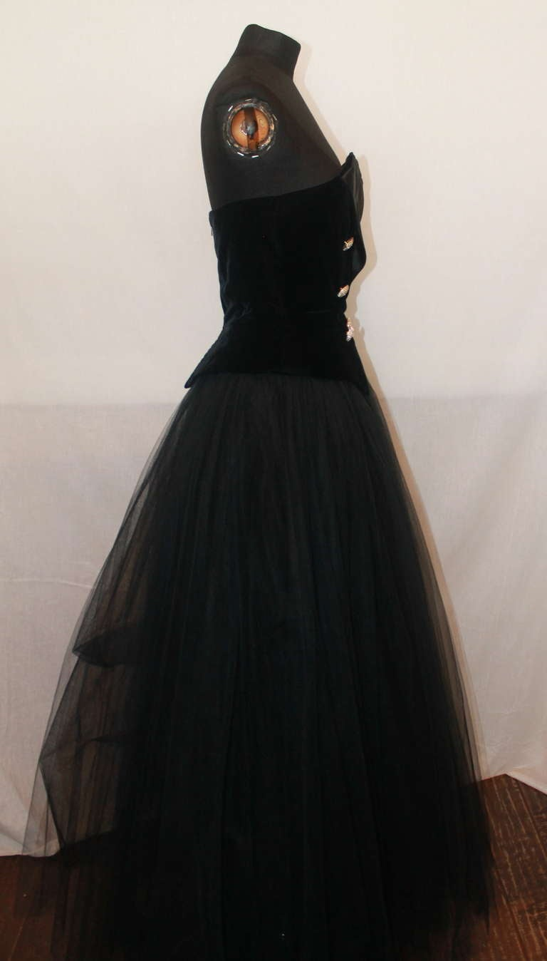 Belville Sassoon Vintage Black Tuxedo Style Gown - 6 In Excellent Condition For Sale In Palm Beach, FL