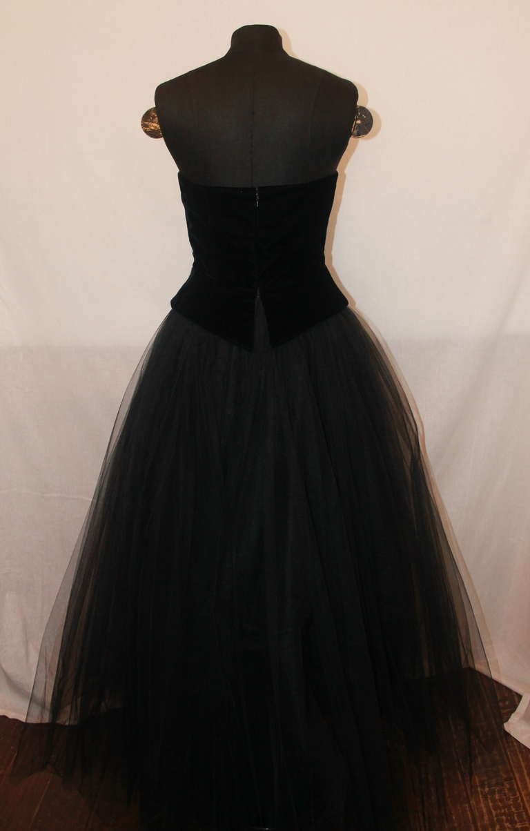 Women's Belville Sassoon Vintage Black Tuxedo Style Gown - 6 For Sale