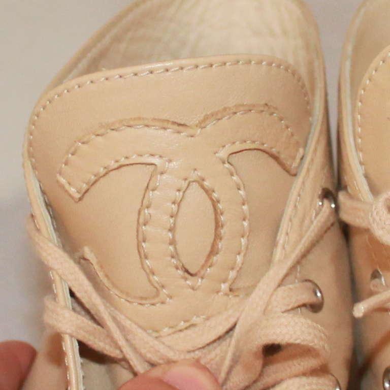 Chanel Beige & Black Leather Sneaker Espadrille - 6 For Sale 2