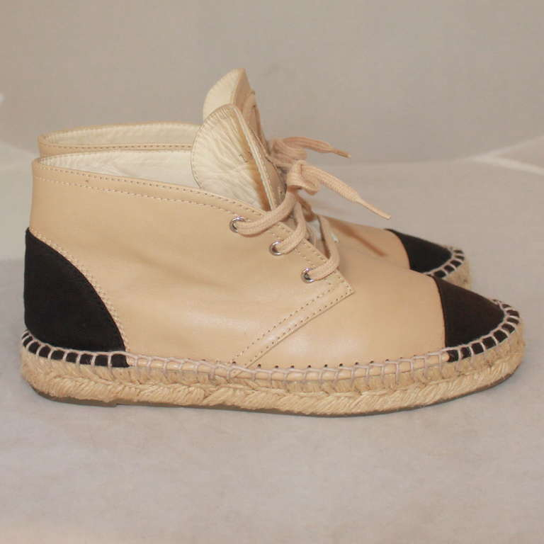 Chanel Beige & Black Leather Sneaker Espadrille - 6 In Excellent Condition For Sale In Palm Beach, FL