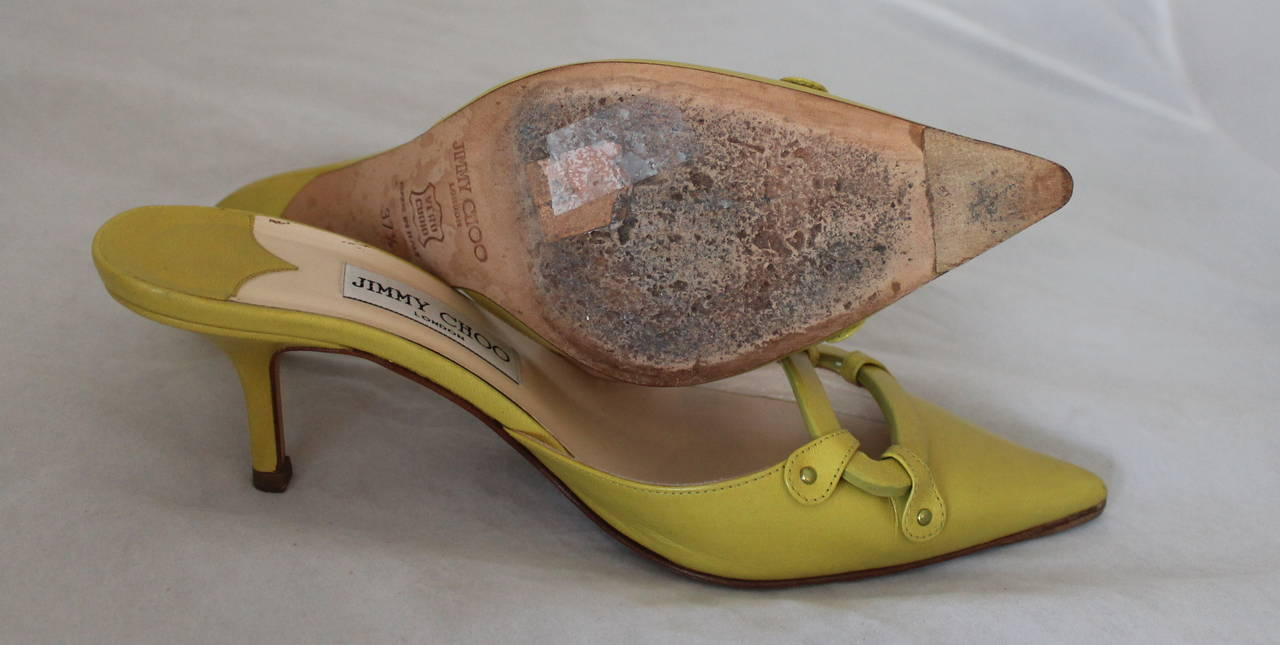 Jimmy Choo Lime Green Leather Slides with Cutout Detail - 37.5 In Good Condition For Sale In Palm Beach, FL