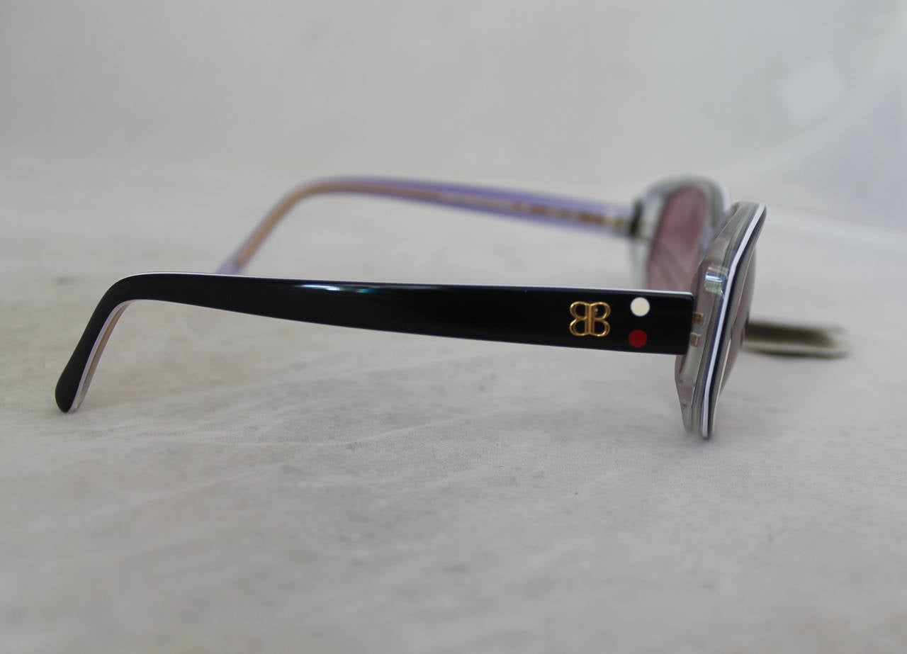 Vintage 1970s Balenciaga Black and Red Sunglasses In Excellent Condition For Sale In Palm Beach, FL