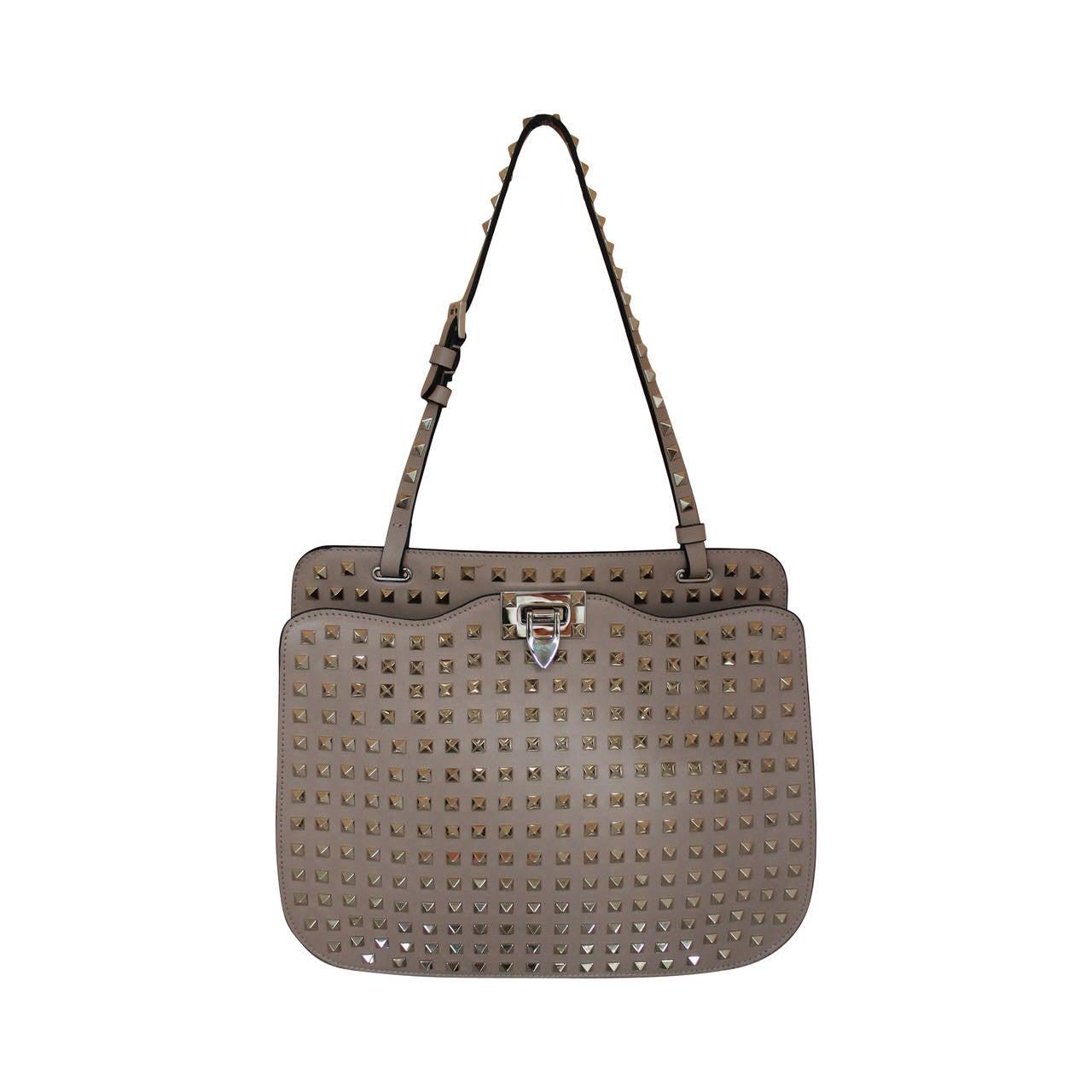 03bb12053619 Valentino Beige Leather Rockstud Single Strap Shoulder Bag For Sale ...