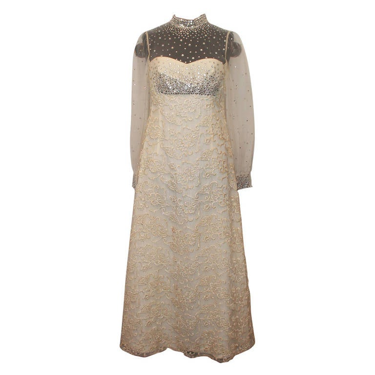Unknown Vinatge Ivory Gown Circa 1970s - M