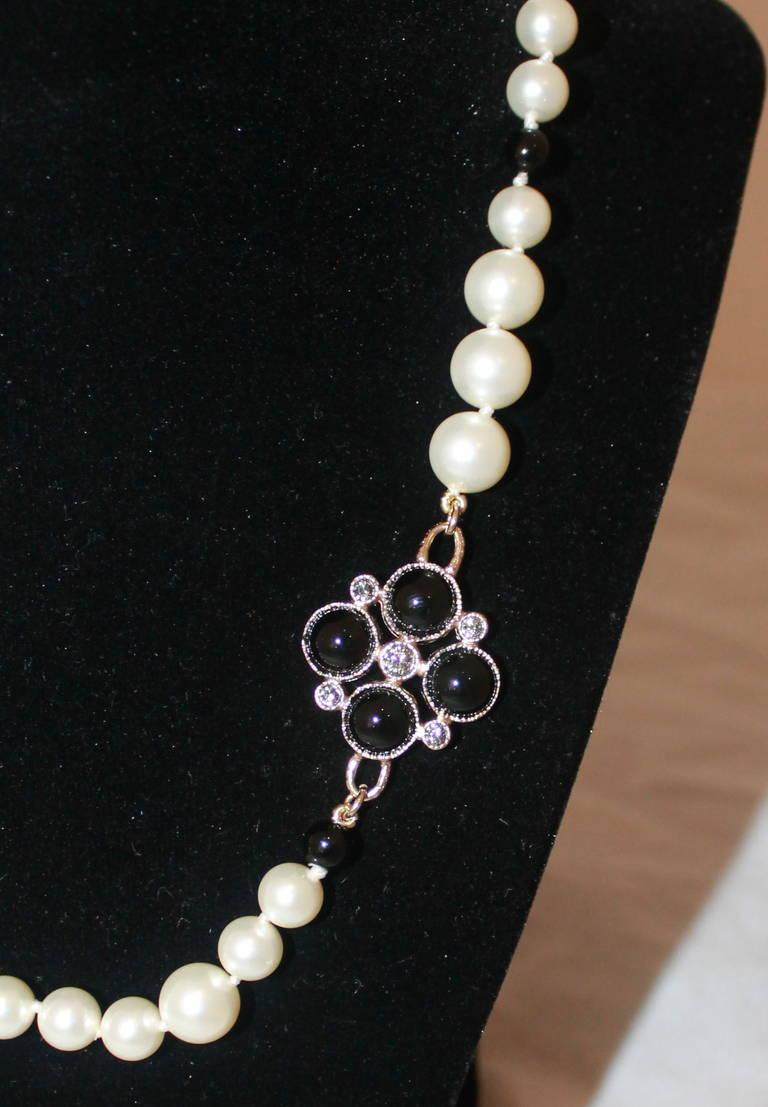 Chanel Black & White Pearl Necklace  Circa 2008 3