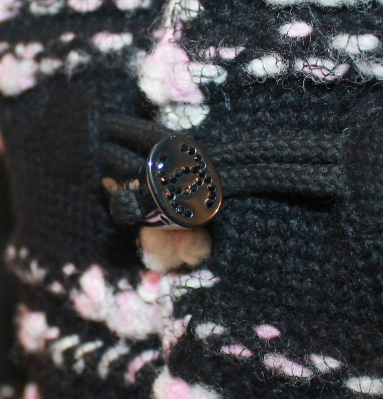 Chanel Pink & Black Cashmere Woven Sweater - 36 For Sale 1