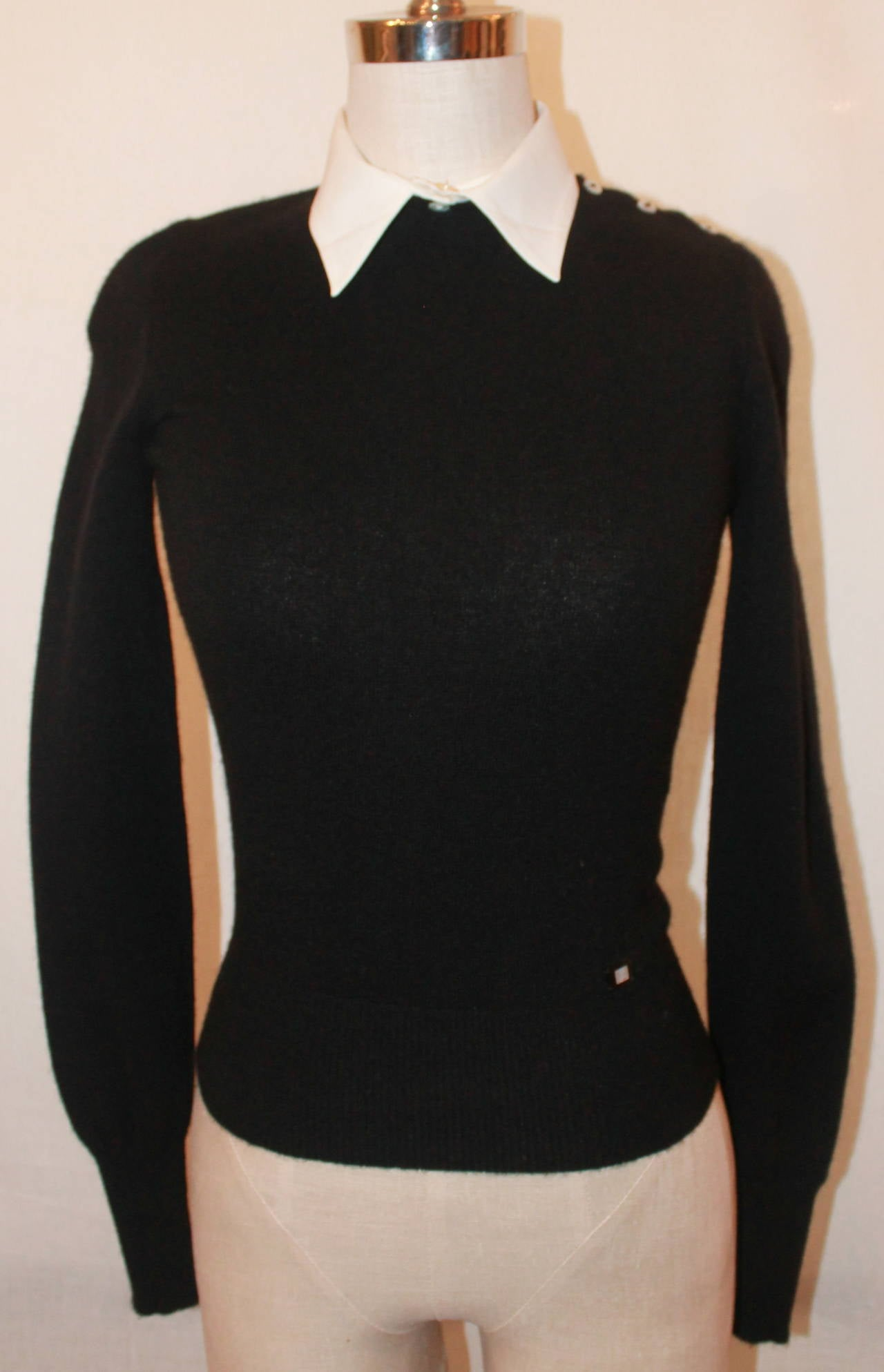 Black t shirt with white collar - Chanel Black Cashmere Sweater With Removable White Collar 34 2