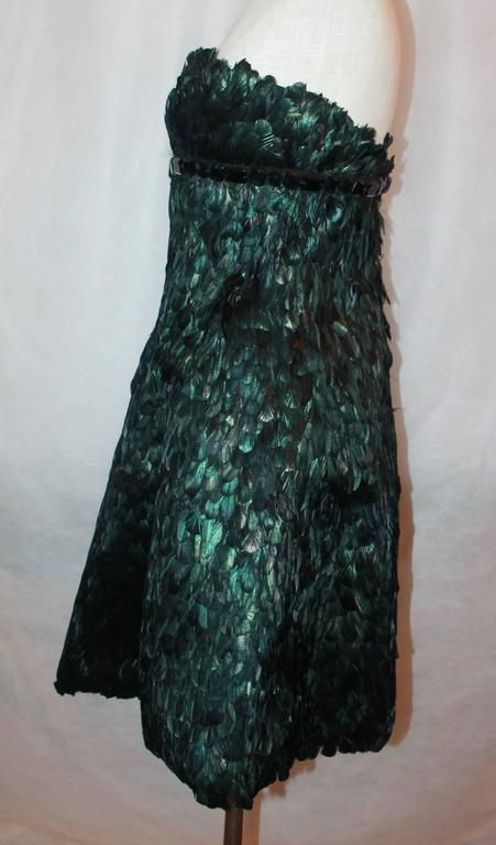 Naeem Kahn Black and Green Feathered Cocktail Dress - 6 In Good Condition For Sale In Palm Beach, FL