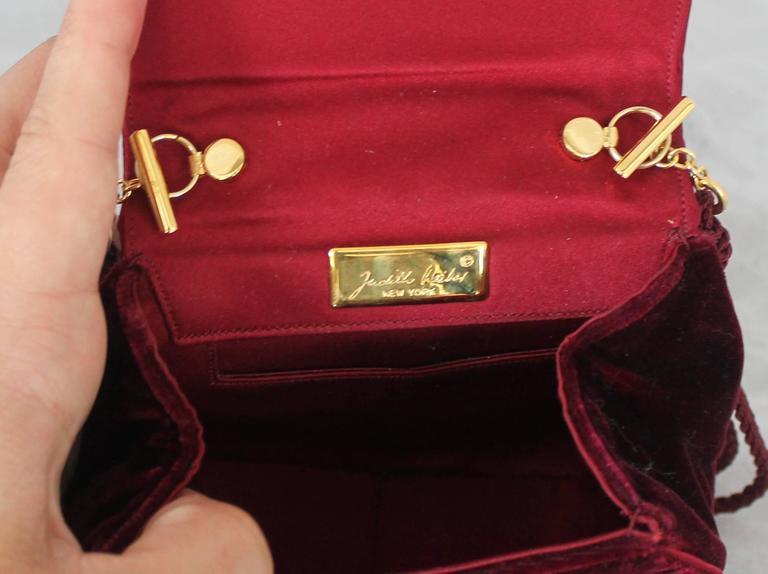 Judith Leiber 1990's Vintage Burgundy Velvet Small Evening Bag For Sale 1