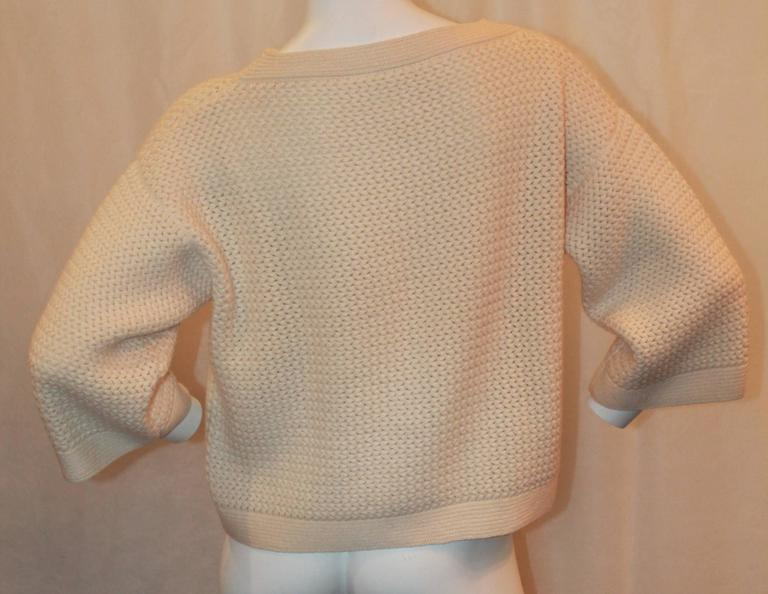 Beige Chanel Ivory Cashmere Oversized Knitted Sweater Top - 2007 - 42 For Sale