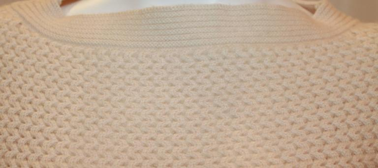 Chanel Ivory Cashmere Oversized Knitted Sweater Top - 2007 - 42 In Excellent Condition For Sale In Palm Beach, FL