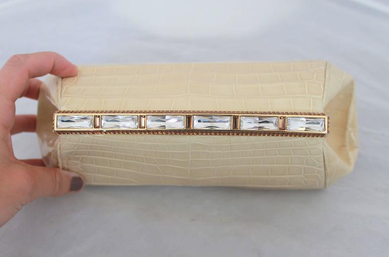 Judith Leiber Ivory Crocodile Clutch with Rhinestone and Gold Clasp In Excellent Condition For Sale In Palm Beach, FL