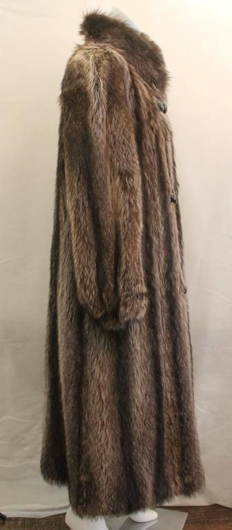 Custom Montgomery Style Hooded Brown Raccoon Full Coat - M In Excellent Condition For Sale In Palm Beach, FL