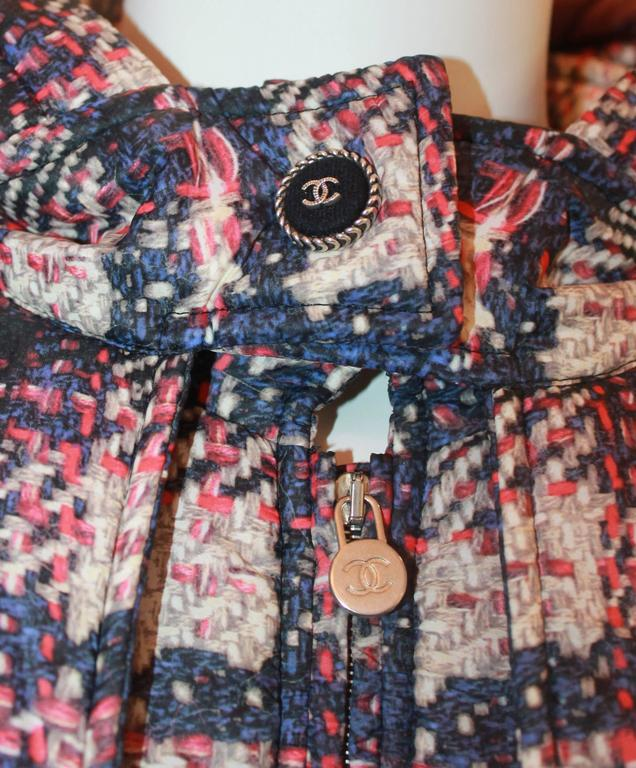 Chanel multi plaid puffer jacket w/ removable hood - Sz 46 - NWT - Circa 2013 For Sale 2