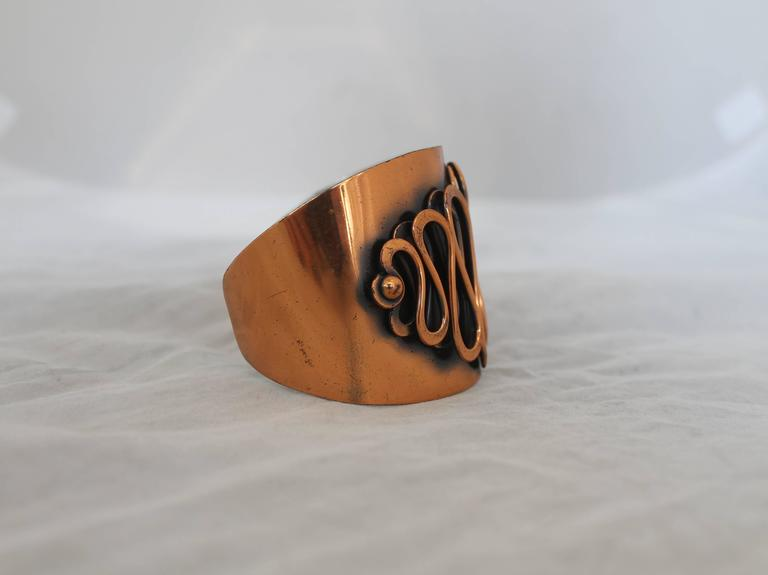 Rebajes Vintage Copper Rhythm Linear Cuff Bracelet - 1950's.  This unique vintage bracelet is in very good vintage condition with only some wear consistent with its age.  It features a double