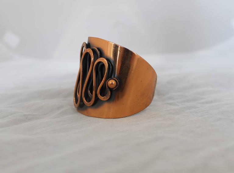 Rebajes Vintage Copper Rhythm Linear Cuff Bracelet - 1950's In Good Condition For Sale In Palm Beach, FL