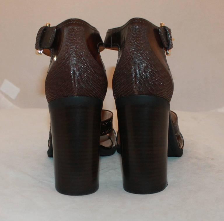 Salvatore Ferragamo Brown Leather Strappy Sandals w/ Woodstack Heel - 8 - New In New Never_worn Condition For Sale In Palm Beach, FL