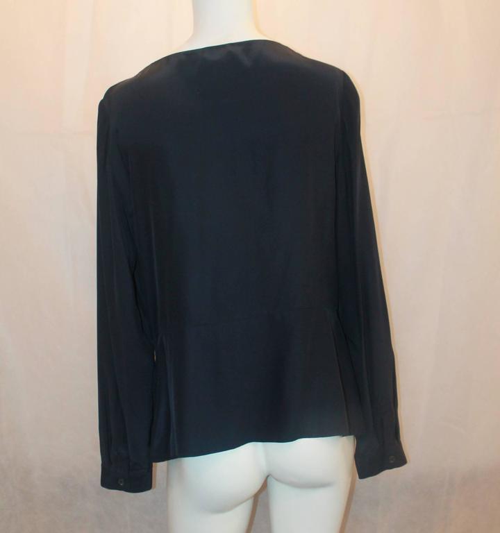 Oscar de la Renta Navy Silk Long Sleeve Blouse - 16 In Excellent Condition For Sale In Palm Beach, FL