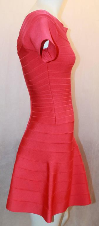 Red Herve Leger Raspberry Stretch Short Sleeve Dress - XS For Sale