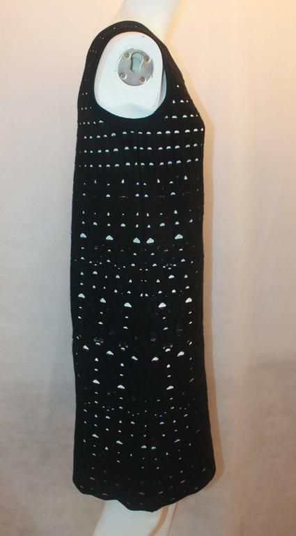 Chanel Black Crochet Sleeveless Shift Dress with White Underlay - 38 In Excellent Condition For Sale In Palm Beach, FL