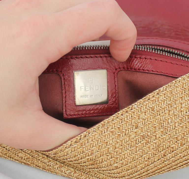 Fendi Beige Raffia & Red Leather Baguette - SHW  In Excellent Condition For Sale In Palm Beach, FL