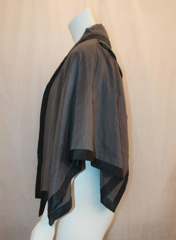 Nina Ricci Vintage Gray and Black Linen and Silk Blend Vest/Cape -  44 In Excellent Condition For Sale In Palm Beach, FL
